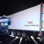 Incidenti: camion contro guardarail sulla A2, ferito conducente