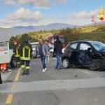 Incidenti: scontro tra auto sulla strada provinciale 89, tre feriti