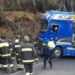 Autoarticolato bloccato nel Catanzarese disagi sulla provinciale 72