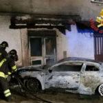 Auto incendiata a Tropea, indagano i Carabinieri