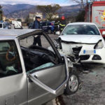 Scontro frontale tra due auto a Lamezia, ferita una donna