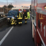Incidenti stradali: Suv Land Rover Freelander si ribalta sulla 106