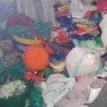 Madre e figlia tra i rifiuti nel Vibonese: donna denunciata