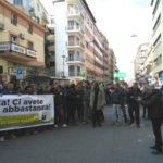 """Latte: in centinaia protestano a Crotone, """"Stiamo peggio dei sardi"""""""