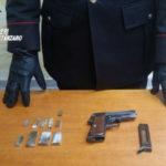 Pistola e droga in casa, trentenne arrestato a Belcastro
