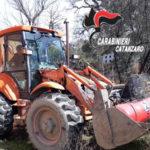 Carabinieri recuperano escavatore rubato a Catanzaro