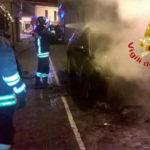 Auto in fiamme durante la notte nel Vibonese