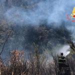 Incendi nel Catanzarese, Vigili del fuoco al lavoro
