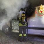 Lamezia: incendio danneggia furgone nel quartiere S.Eufemia
