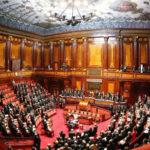 Crisi: domani occhi sul Senato, scontro su voto subito