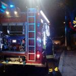 Incendi: rogo deposito nel Cosentino, persone evacuate da edificio
