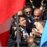 """Governo: Conte a Reggio tra cittadini e precari, """"Non è passerella"""""""