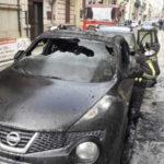 Incendi: Due auto in fiamme a Reggio, indagini