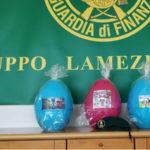 Contraffazione: uova Pasqua e giocattoli sequestrati a Lamezia da Gdf