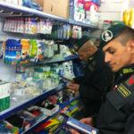 Lamezia: Gdf sequestra 54.000 articoli contraffatti, 1 denuncia