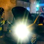 Lamezia: auto a fuoco nella notte in Via Luigi Einaudi