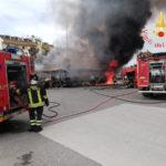 Autobus distrutti da incendio a Soverato, cause accidentali