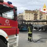 Autobus distrutti da incendio a Soverato