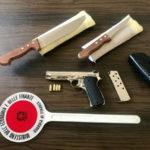 Armi: pistola e coltelli in casa, 71enne arrestato a Reggio Calabria