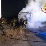 Camion in fiamme nell'area industriale di Crotone