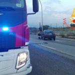 Lamezia: perde controllo auto e finisce contro palo illuminazione