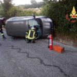 Incidenti stradali: auto si ribalta nel Catanzarese, un ferito