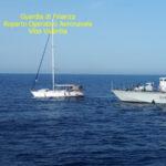 Migranti: due 'scafisti' con 60 a bordo veliero arrestati in Calabria