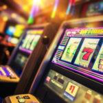 Lamezia: svuotano slot-machine, due campani denunciati per truffa