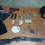 Armi e bombe artigianali sequestrate dai Carabinieri nel Vibonese