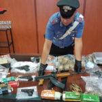 Criminalità: armi e droga sequestrate nel centro di Cosenza