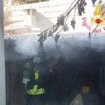 Incendi: a fuoco nel Lametino locale adibito a deposito agricolo