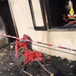 Lamezia: a fuoco magazzino privato in Via San Bruno