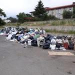 Lamezia: rifiuti in strada per blocco Daneco