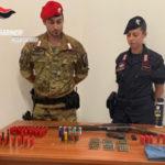 Armi: detiene illegalmente fucile e pistola, un arresto nel Reggino