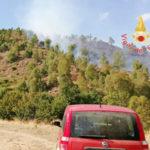 Incendi: fiamme nel Catanzarese, paura anche tra i bagnanti