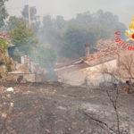 Incendi: rogo danneggia case nel Catanzarese, evacuate famiglie