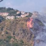 Incendio: a fuoco arbusti e macchia mediterranea a Gimigliano