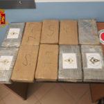 Droga: viaggiava sull'A2 con 10 kg cocaina in auto, arrestato