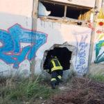 Incendi: a fuoco a Borgia capannone in disuso