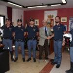 Bimba accidentalmente chiusa in auto, salvata da Polizia a Crotone