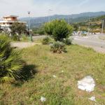 Lamezia: Meetup 5S ripulisce villetta antistante campo di Fronti