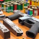'Ndrangheta: arsenale e scritte per riti mafiosi a Vibo, un arresto