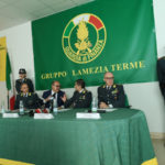 Armi: pistole, soldi ed esplosivo sequestrati a Lamezia Terme