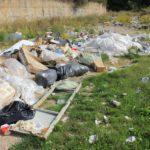 Lamezia: numerosi cittadini chiedono il ripristino di via Domenico Curcio e la rimozione dei rifiuti