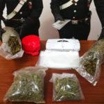 Detenevano circa 2,5 kg di marijuana, due giovani in manette