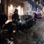 Auto e moto in fiamme nella notte a Catanzaro, Polizia indaga