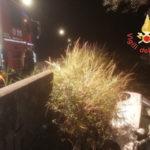 Incidenti: auto si ribalta a Catanzaro in viale Magna Grecia