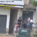 Droga: Lamezia Terme, donna guidava organizzazione dal carcere - VIDEO
