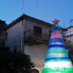Natale: ad Aiello Calabro albero con 4mila bottiglie di plastica