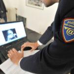 Polizia scende in campo per protezione shopping natalizio online